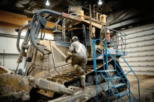The Stratus virtualization solution hosts a redundant version of the mining company's maintenance software platform.